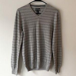 Club Monaco 100% Italian Merino Sweater Small NWOT